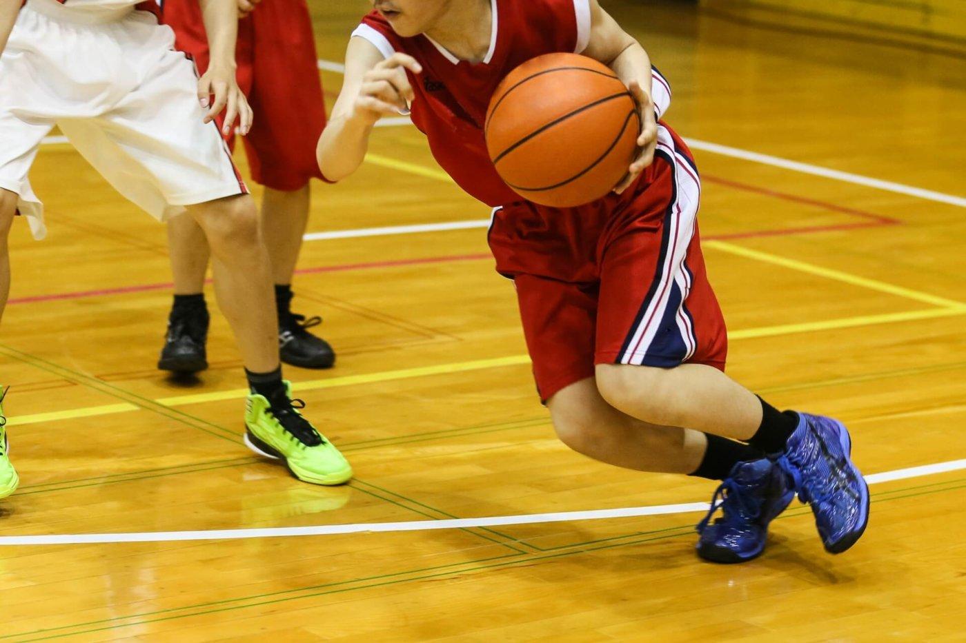 格段にバスケが上達するドリブルのコツ