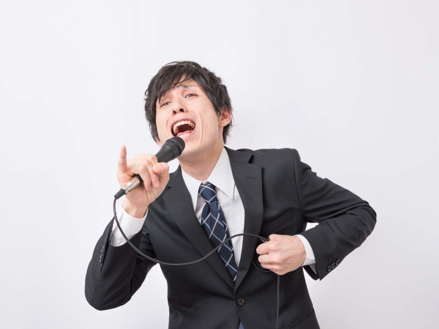 どんな歌もおまかせあれ!カラオケで音域を広げる練習方法