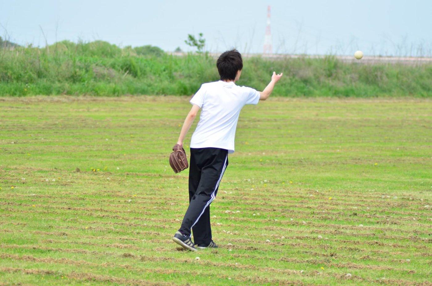 ソフトボール投げで使いたい〜遠投の距離を伸ばすためのトレーニングとは〜