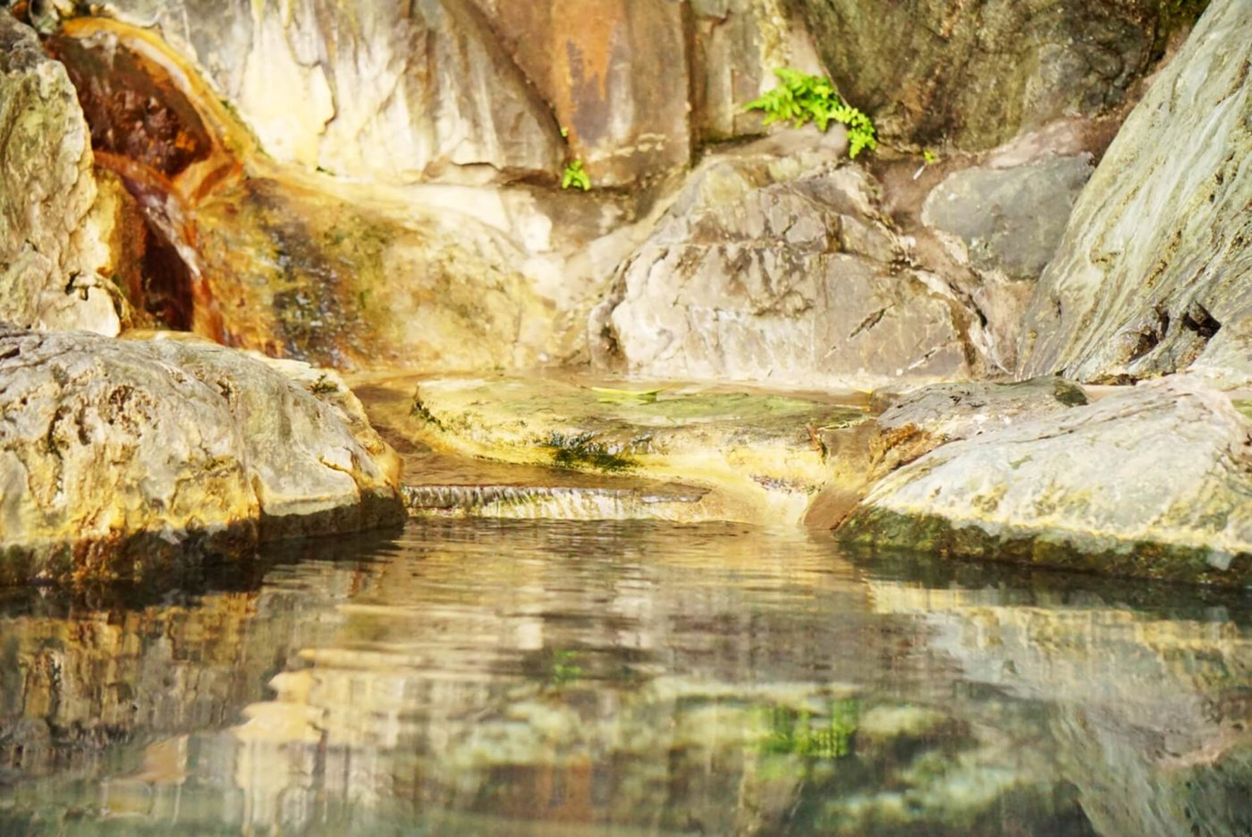 福島で露天風呂の温泉に入って歴史を勉強しよう!