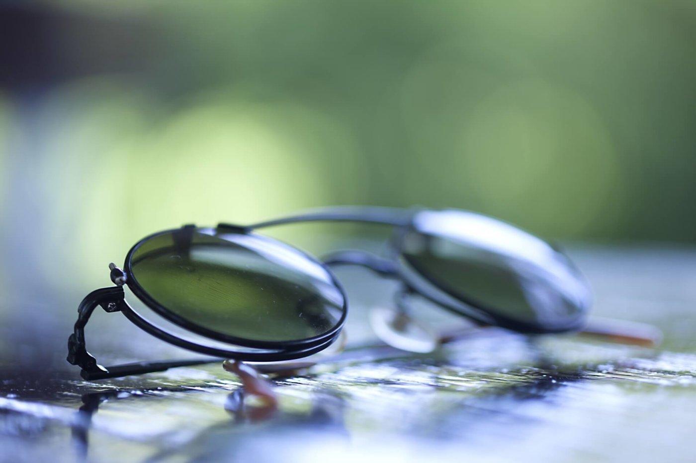 マラソンにおけるサングラスの役割とは