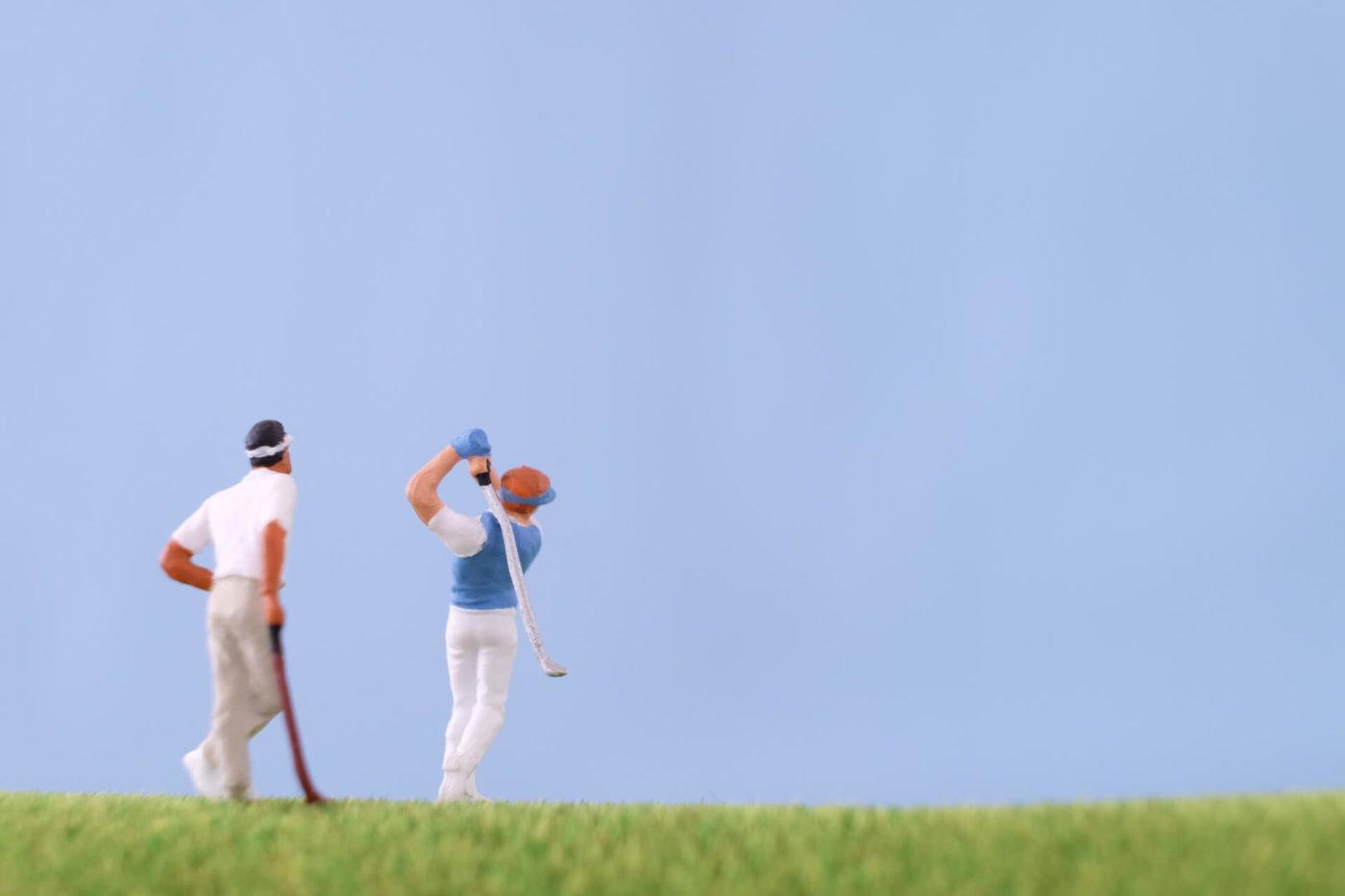 ゴルフの研修生からプロになろう