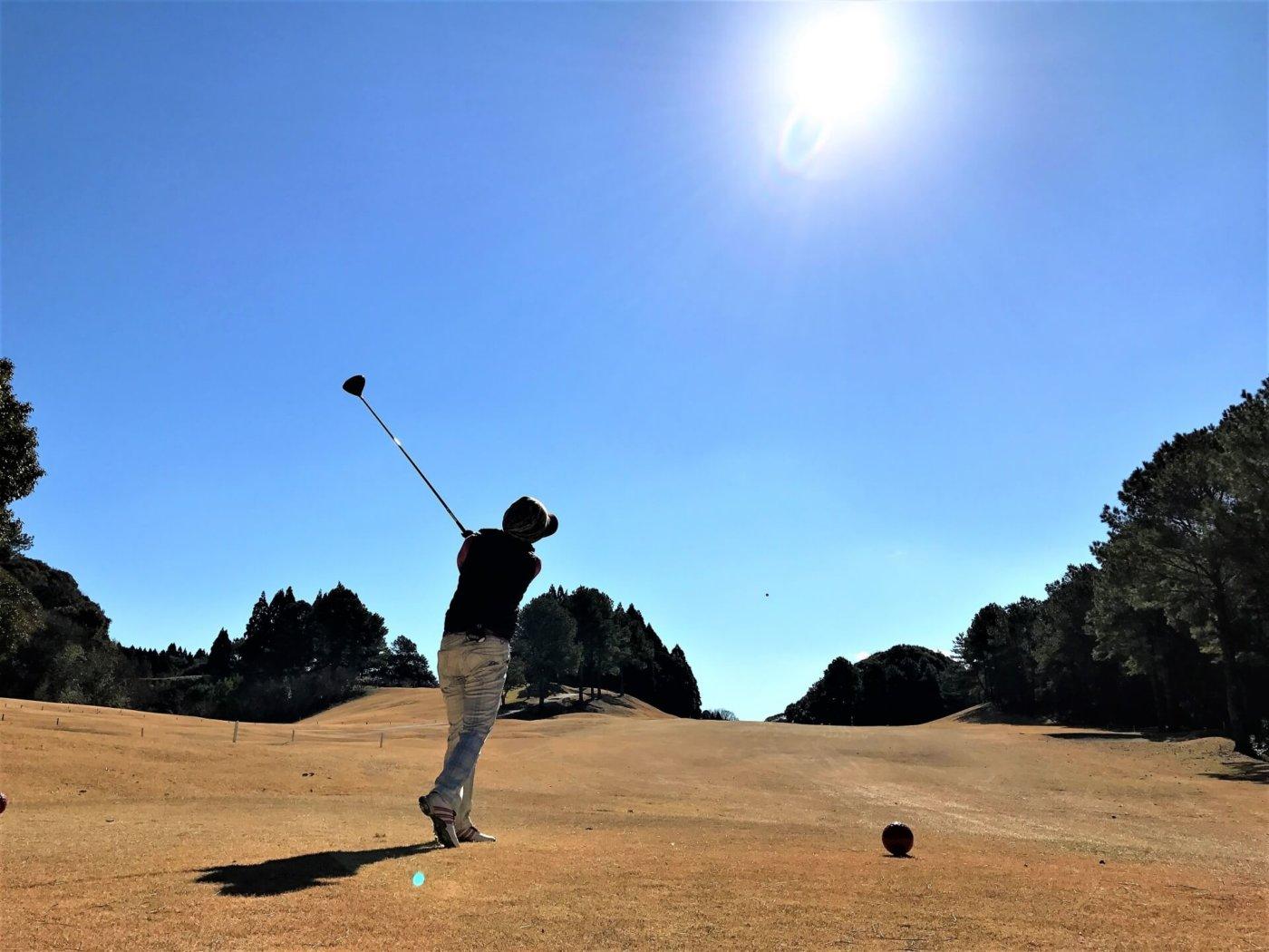 ゴルフではフライヤーに注意