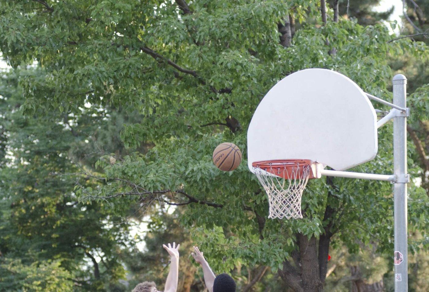 バスケの試合を観戦しよう
