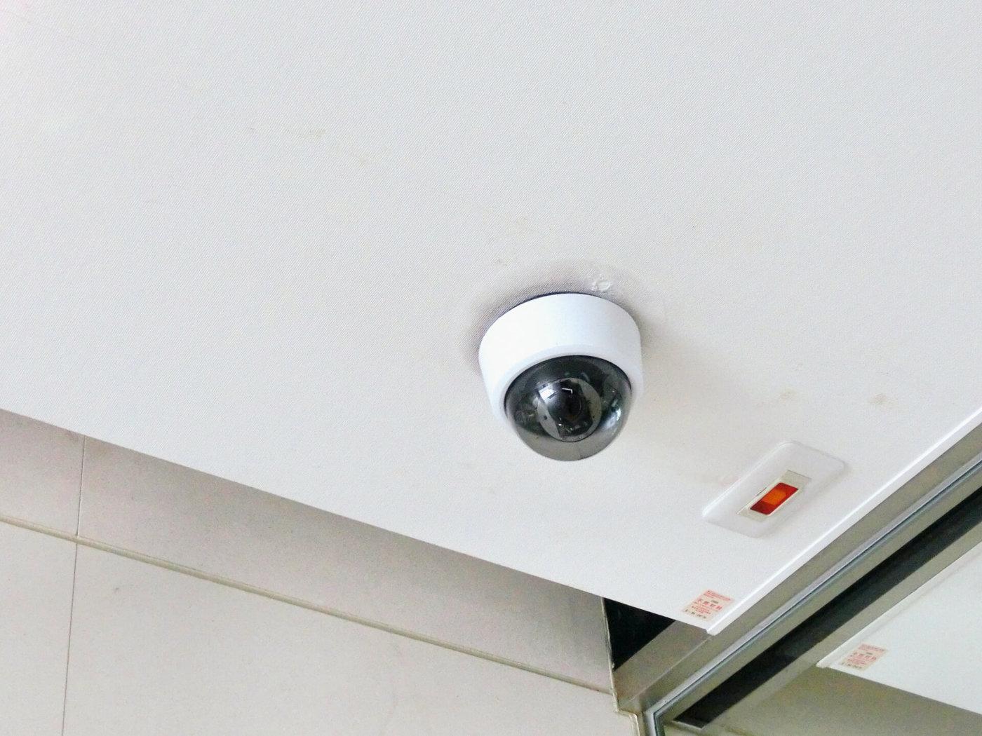 カラオケに監視カメラは当たり前?