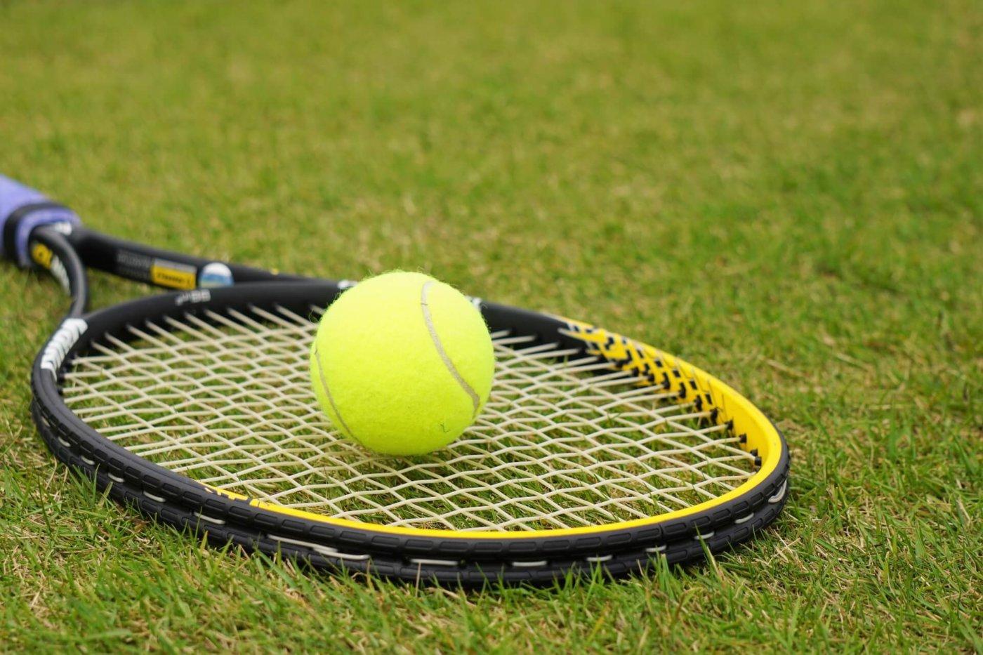 テニス初心者必見!ラケットについて勉強しよう!