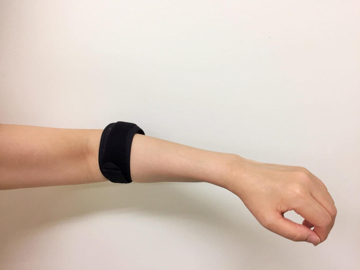 テニス肘は何が原因?サポーターはいい?テニス肘の原因と対処方法