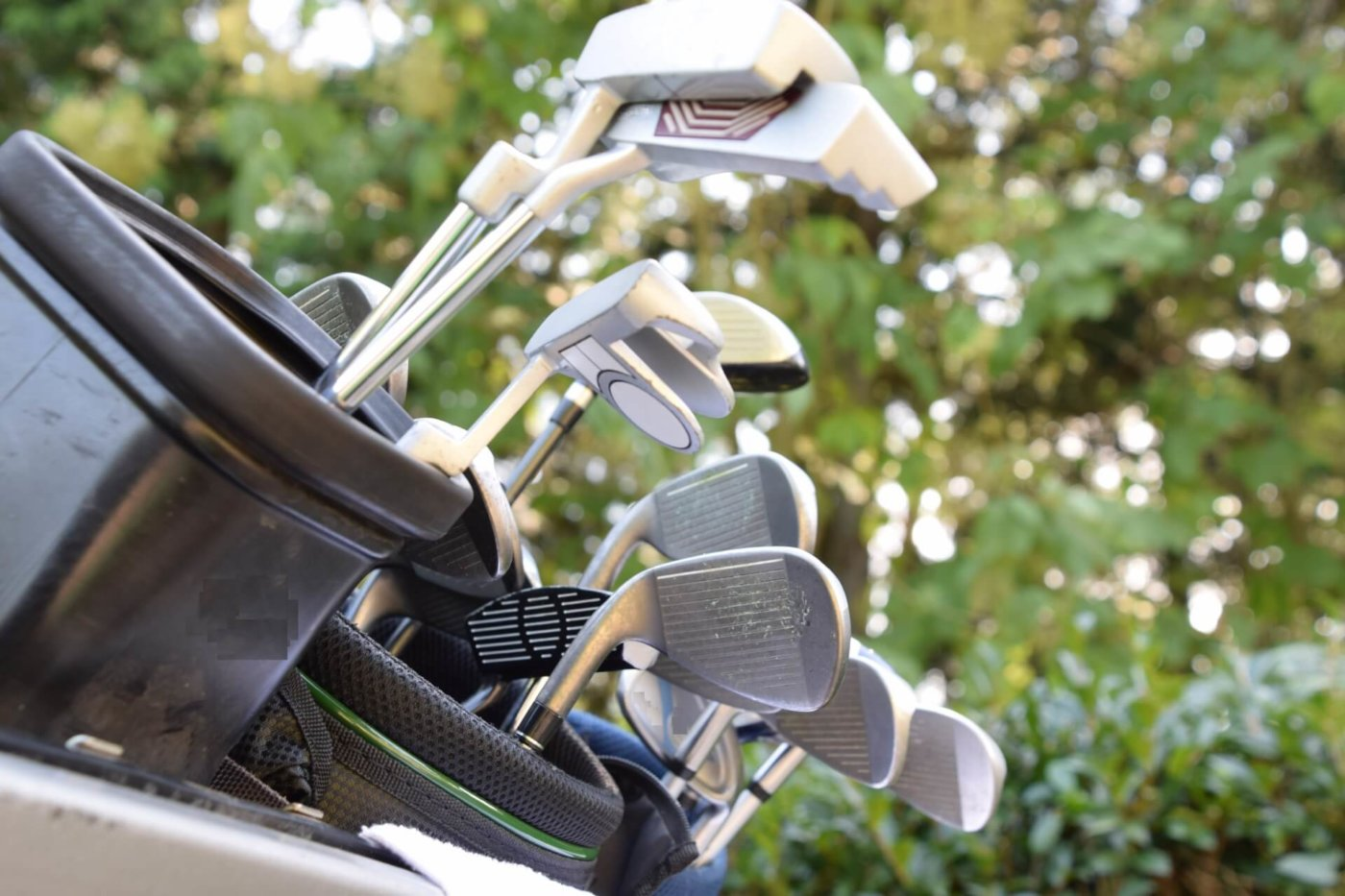 ゴルフ初心者が知っておきたい、クラブの種類と選び方