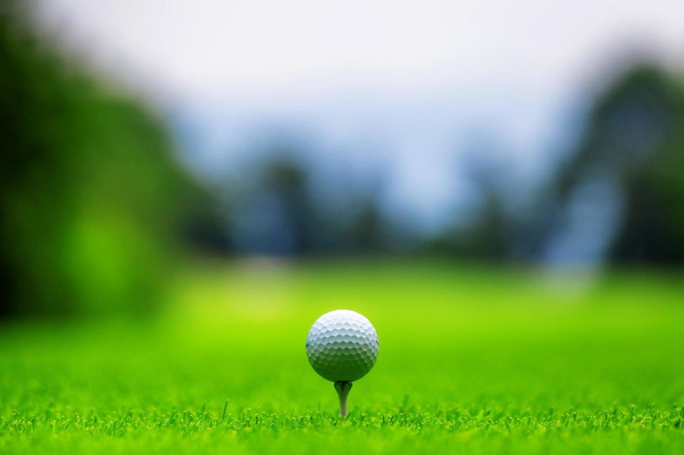 ゴルフで押さえておきたいメンズファッションの定番からオススメまで