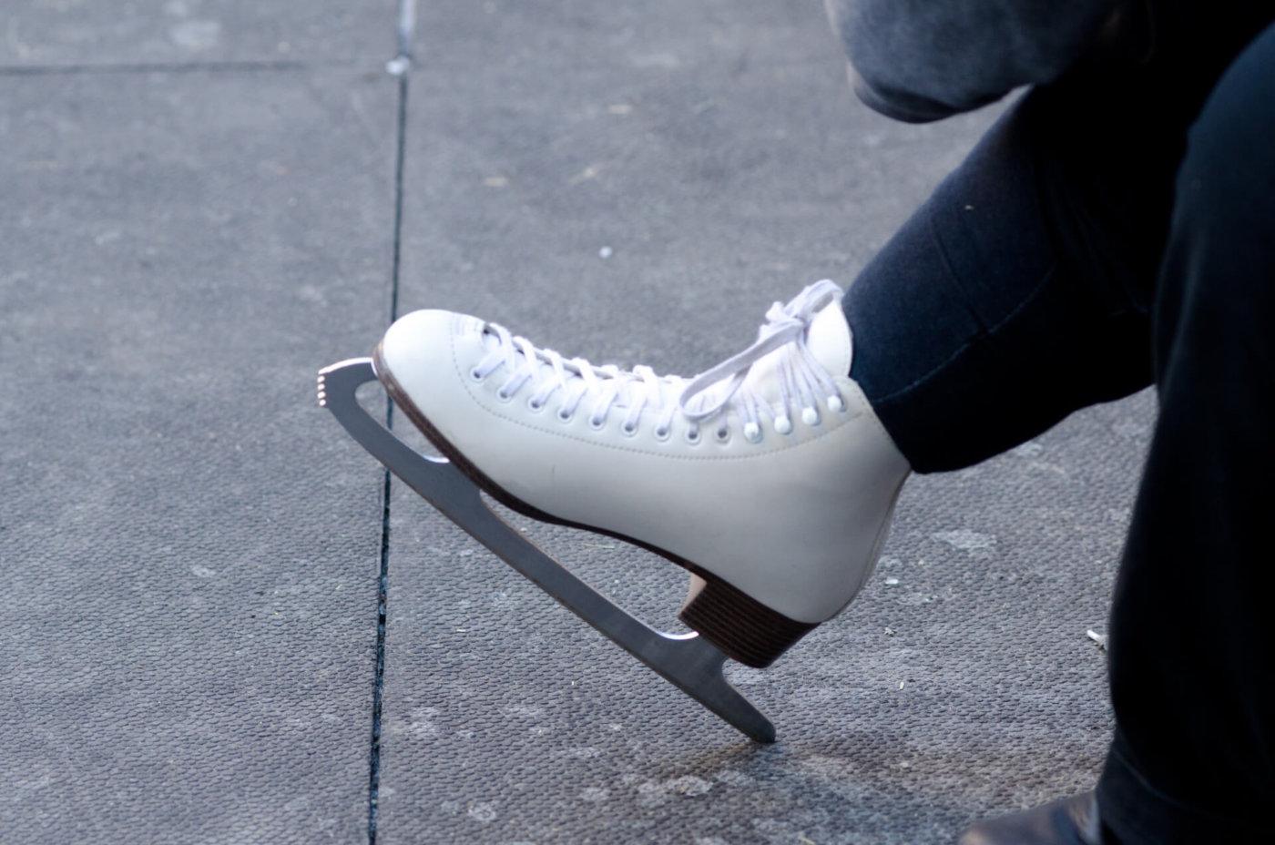 スケート でスピン を成功させるコツ