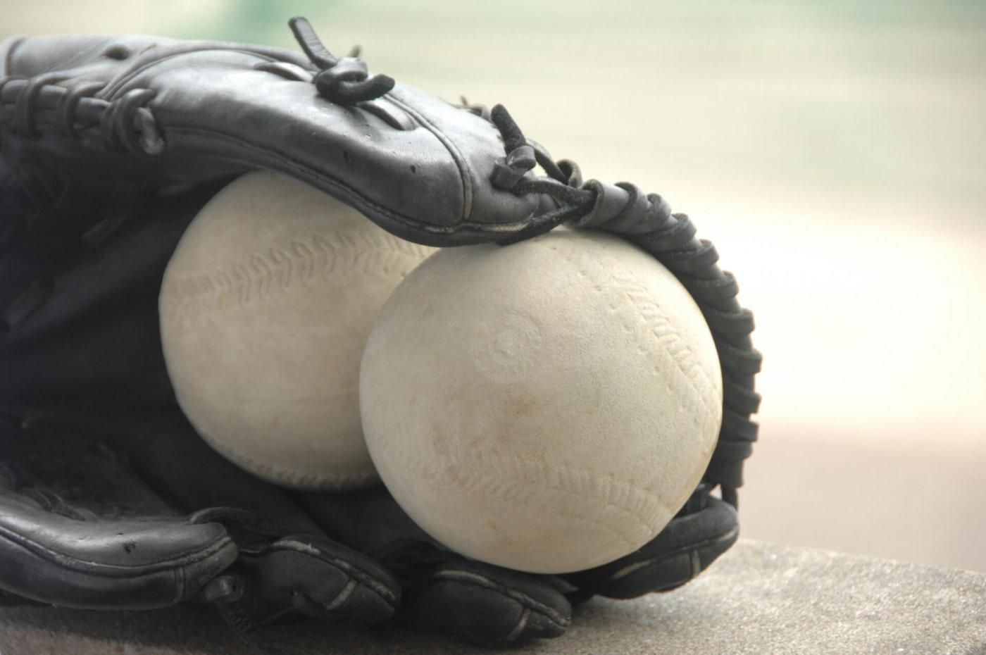 ソフトボール用グローブの選び方と手入れの仕方