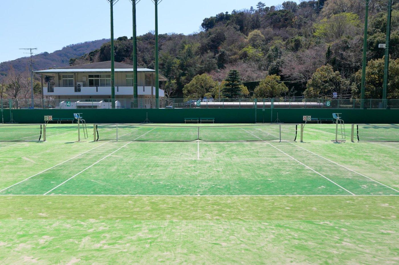 意外と知られていないテニスコートの種類