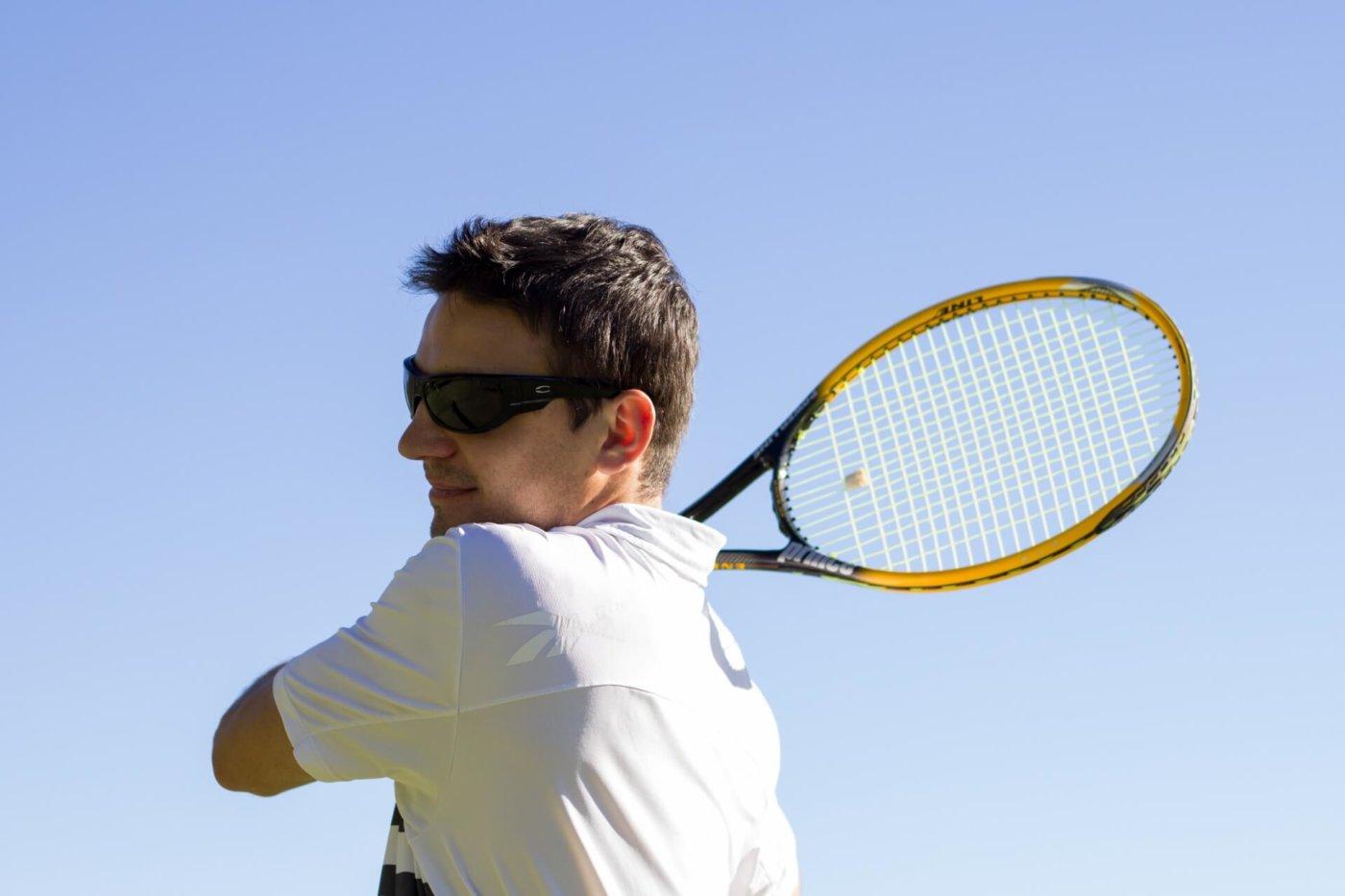 テニスの必需品!?振動止めって何?