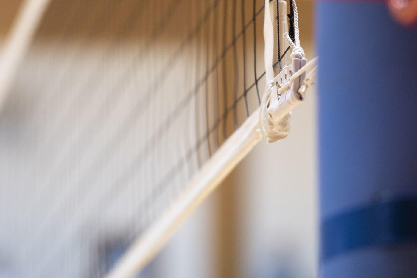 バレーボールのネットの高さは、年代別で違う!