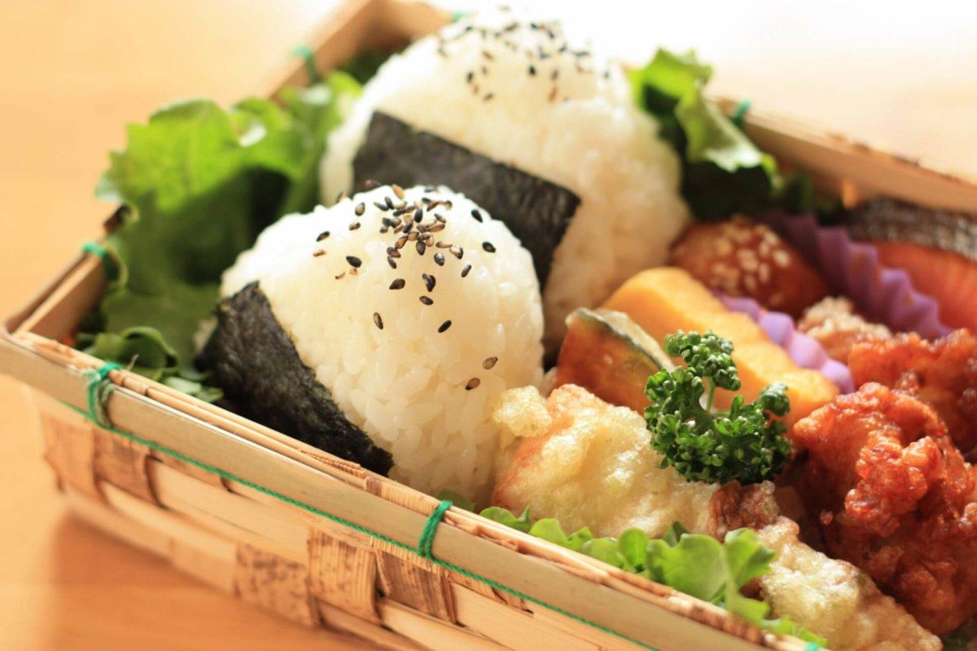 キモカワ「こびとづかん」のピクニックお弁当