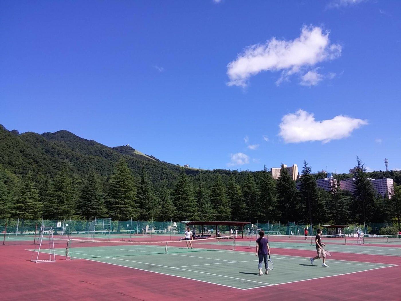 気軽にテニスをプレイしたい!都内の格安で借りられるコート5選